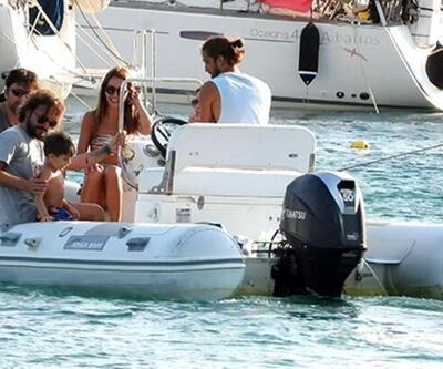 Ahmet Kural ile Çağla Gizem Çelik arkadaşlarının teknesine misafir oldu
