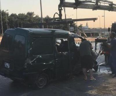 D-100 Karayolu'nda panelvan minibüs takla attı, trafik durma noktasına geldi