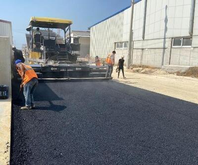 Akdeniz'de asfalt yama, kaldırım yenileme, yol açma çalışmaları sürüyor