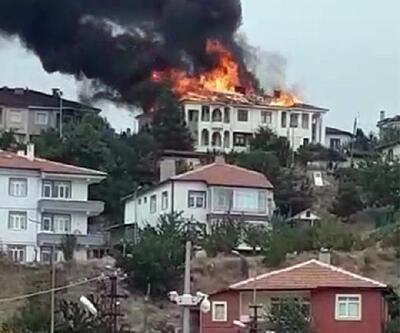 Yozgat'ta 2 evin çatısı yandı