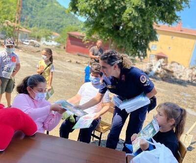 Kadın astsubaylar selden etkilenen çocuklarla bir araya geldi