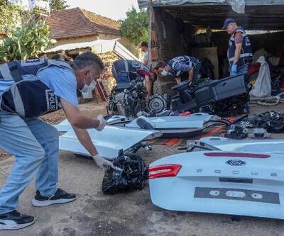 Muğla'dan çalınan otomobil Antalya'da parçalanmış halde bulundu