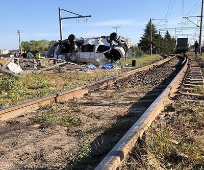 Tekirdağ Ergene tren kazası: Tekirdağ kazasında kaç kişi öldü, kaç yaralı var, ölenlerin kimlikleri belli mi?
