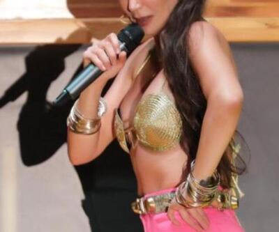 Hande Yener son kıyafet tercihiyle dikkat çekti