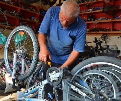 Yarım asırdır bisikletleri tamir ediyor