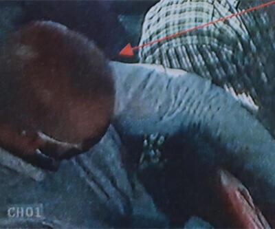 ÖZEL HABER: Maaş günleri minibüse biniyor… Yaşlıların kabusu hırsız kameraya yakalandı