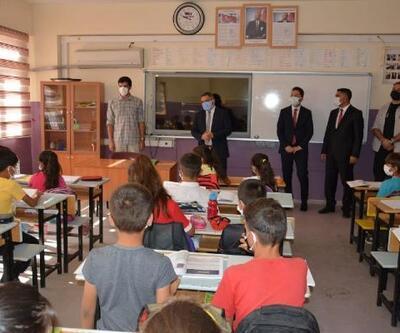 Kaymakam Karaaslan'dan öğrencilere sürpriz ziyaret