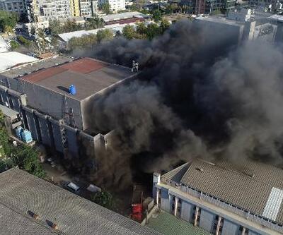 Yatak ve baza fabrikası alev alev yandı