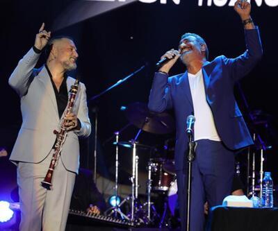 Kuruçeşme Açıkhava Konserleri Hakan Altun ve Hüsnü Şenlendirici'yi ağırladı