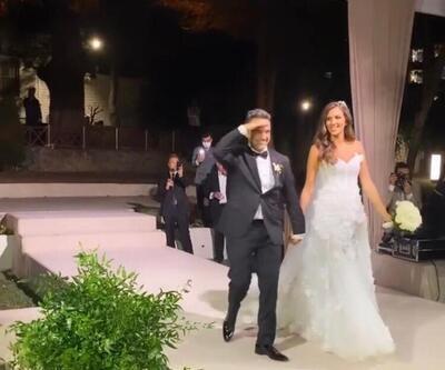 Arda Türkmen ve Melodi Erbirliler'in düğününde talihsiz bir olay yaşadı! Gelinliğin üzerine maytap düştü