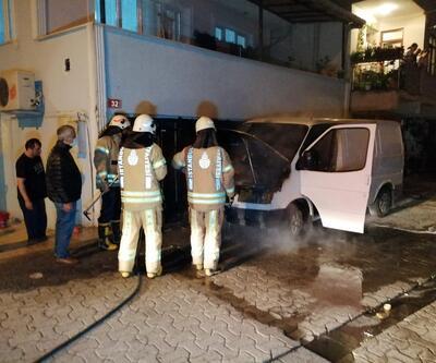 Yanan minibüse vatandaşlar müdahale etti