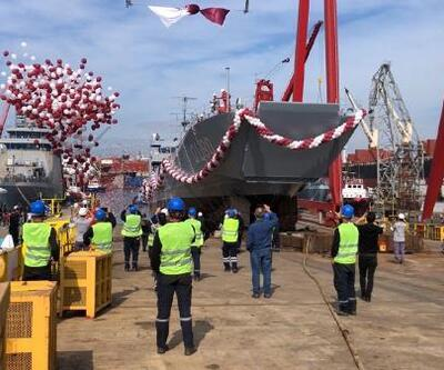 Yerli üretim çıkarma gemisi Tuzla'da denize indirildi