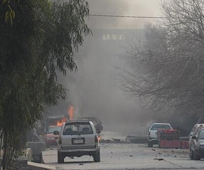 Afganistan'da Taliban aracına bombalı saldırı