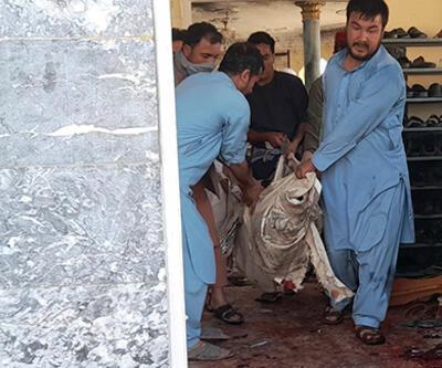 Afganistan'ın kuzeyindeki bir camiye bombalı saldırı: En az 100 ölü