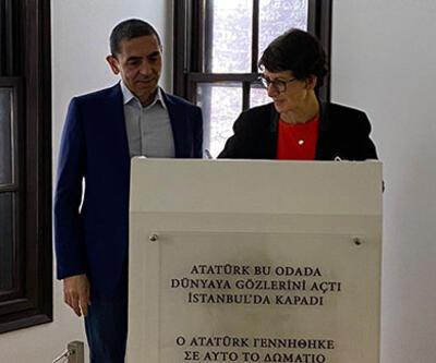 Bilim insanları Türeci ve Şahin, Atatürk Evi'ni ziyaret etti