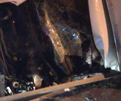 Yarış atlarını taşıyan kamyonet devrildi: 2 ölü, 1 yaralı