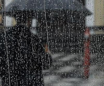 Yağışlı hava yurdu terk ediyor