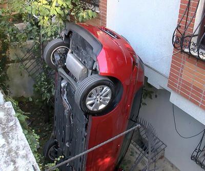 Fren yerine gaza bastı, bahçeye düştü