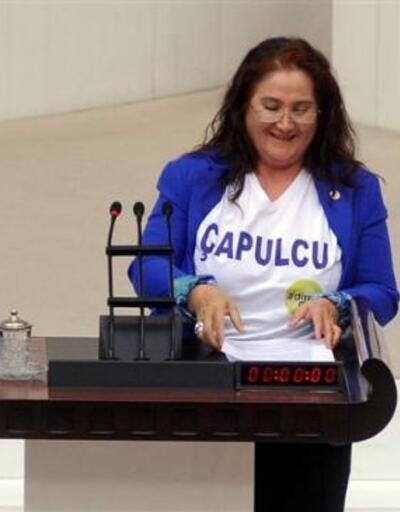 """Meclis'te """"Çapulcu"""" tişörtü"""