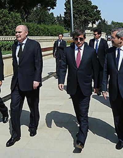 Davutoğlu'ndan Ermenistan Başsavcısı'na sert yanıt