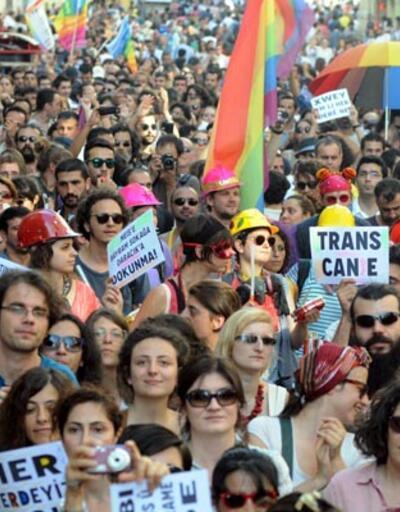 Trans Onur Yürüyüşü Taksim'de yapıldı