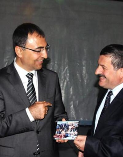Validen Diyarbakır'a Kürtçe veda