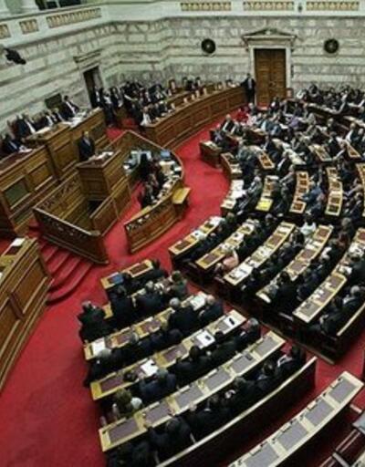 """Yunanistan'da """"silahlı milletvekili"""" sorunu"""