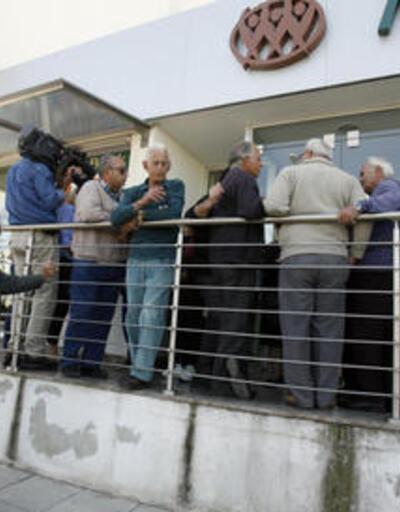Güney Kıbrıs'ta bankalar açıldı