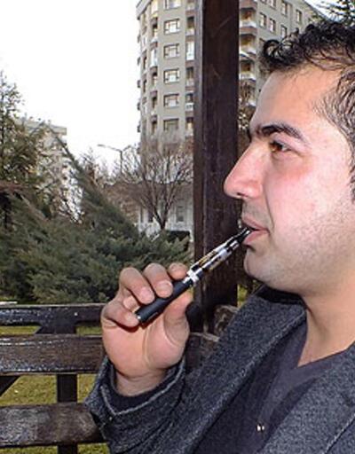 """Sağlık Bakanlığı'ndan """"elektronik sigara"""" uyarısı"""