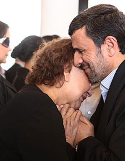 Din adamları Ahmedinecad'a ateş püskürdü