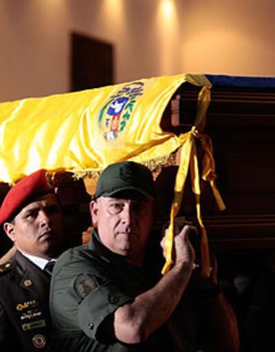 Chavez, son yolculuğuna uğurlanıyor