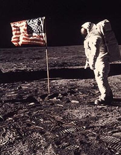 Neil Armstrong denize gömülecek