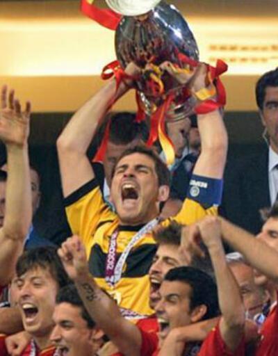Dört dörtlük şampiyon İspanya