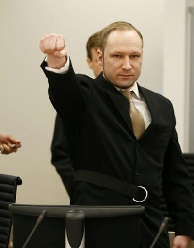 Breivik suçlamaları reddetti