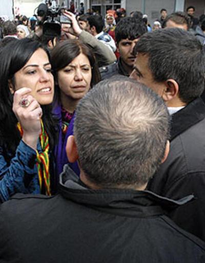 """BDP'li vekilden polise """"kan"""" çıkışı"""