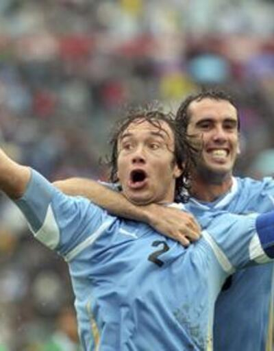 Lugano 2 gol attı, Uruguay 3 puan aldı
