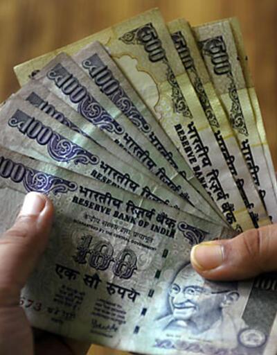 Hindistan faiz oranını yüzde 8'e yükseltti