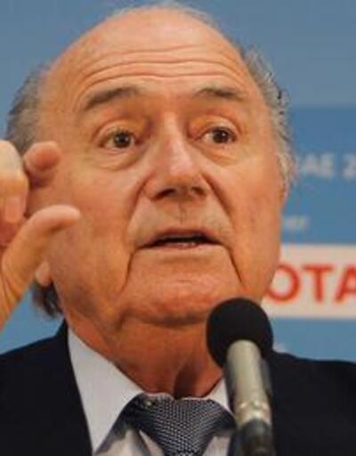 """Blatter """"eşcinsel"""" esprisi için özür diledi"""