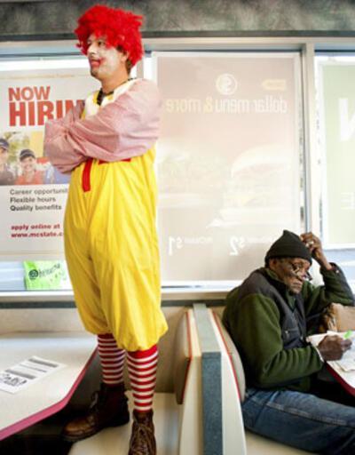 Beyaz yakalılardan sonra fast food işçileri