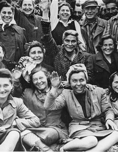 Naziler'in Dachau Toplama Kampı ele geçirildi
