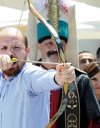 """Bilal Erdoğan """"Ya Hak"""" dedi, 2 ok attı!"""