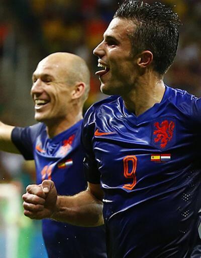 B Grubu'nda Hollanda lider