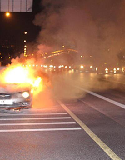 Boğaziçi Köprüsü'nde araç yangını