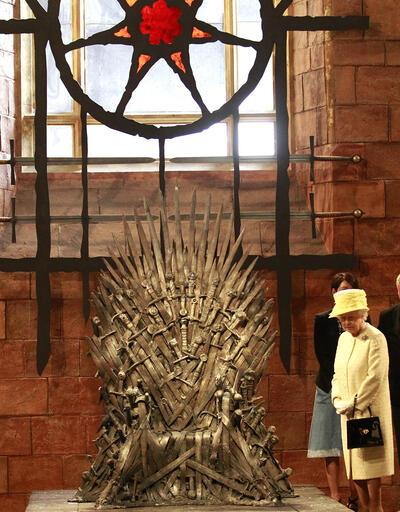 Kraliçe Elizabeth, Game of Thrones setini ziyaret etti