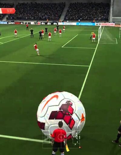FIFA 15'teki komik hata!