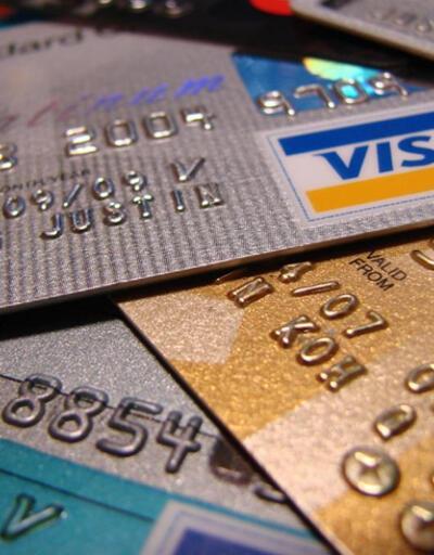 Tüketici kredileri arttı, kredi kartı kullanımı azaldı