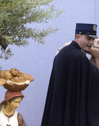 İsa'yı çalan FEMEN üyesinin Vatikan'a girişi yasaklandı