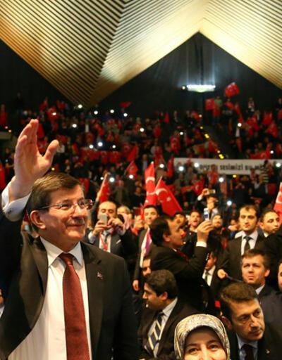 Başbakan Davutoğlu Berlin'de Türklere hitap etti