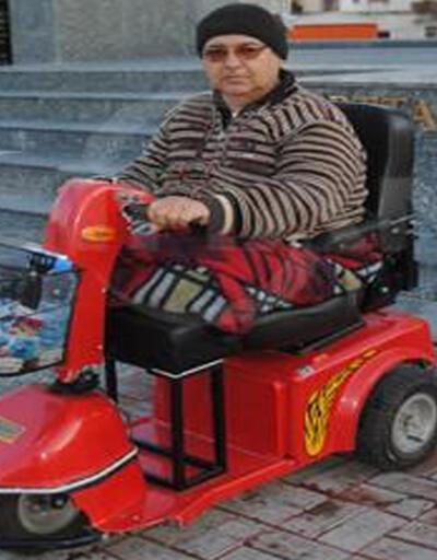 Devlete borcunu ödemek için engelli arabasını satışa çıkardı
