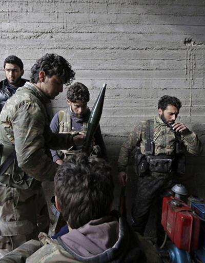 """FT: """"Suriye'nin amaçsız isyancıları"""""""